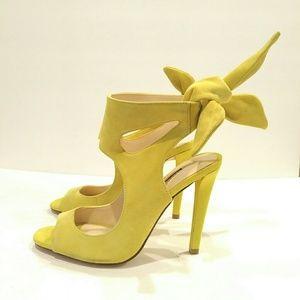 Zara Trafaluc Women's heel sandals size 38